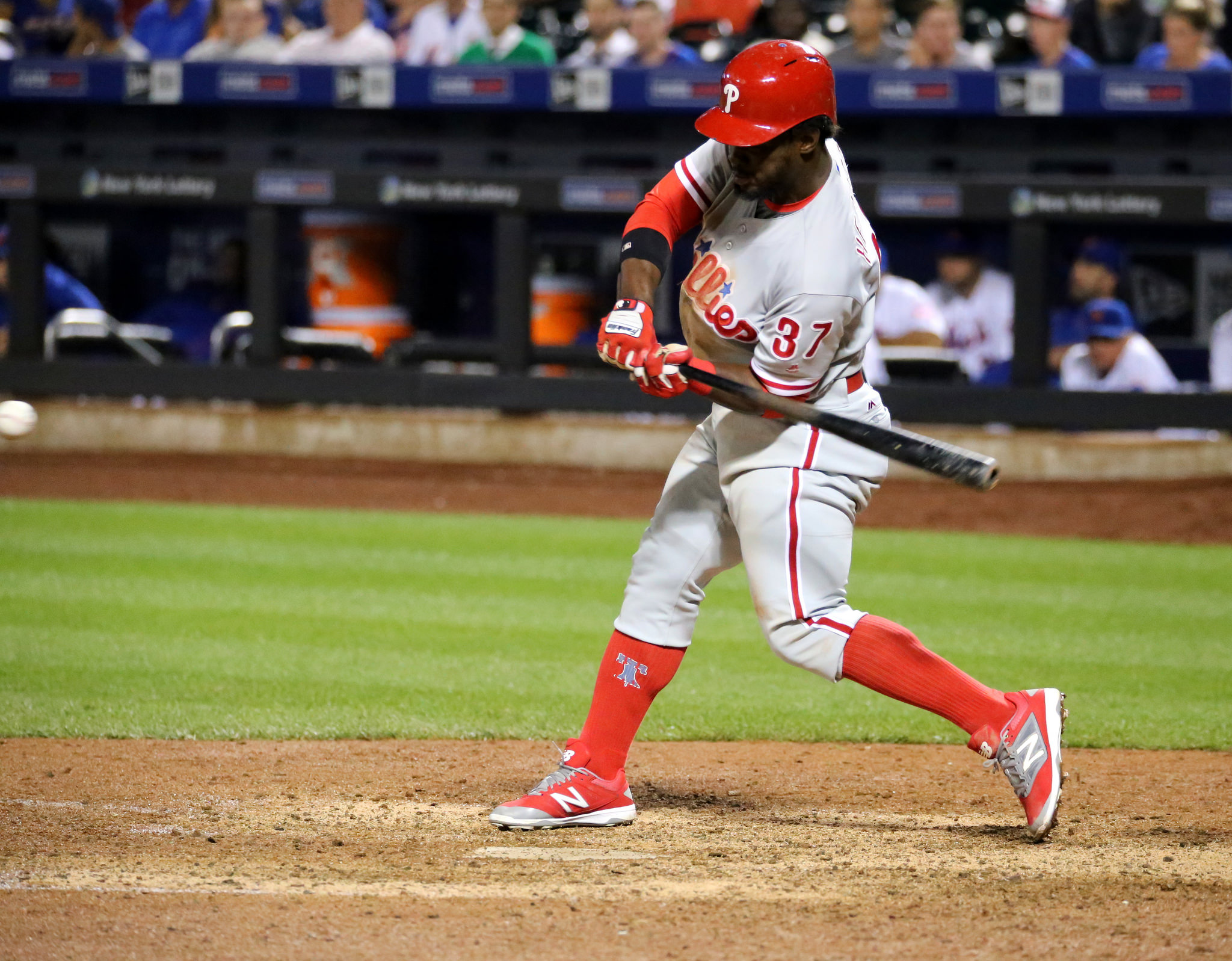 Odubel Herrera signs extension with Phillies